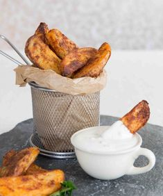 Here I share with you a some game changing tips to getting Oven Baked Potato Wedges that are crispy and crunchy on the outside, yet light and fluffy on the inside! #potato #wedges #fries | www.dontgobaconmyheart.co.uk