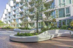 photo Landscape Architecture Design, Garden Landscape Design, Architecture Plan, Urban Landscape, Urban Furniture, Street Furniture, Landscape Plaza, Plaza Design, Modern Landscaping