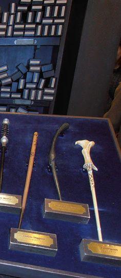 Las varitas de Harry Potter en la tienda principal de USJ - Universal Studios Japan, #Osaka  #Viaje #Japon #HarryPotter