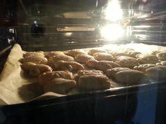 Biscotti! http://www.leghiringhelle.com/esperimenti-in-cucina/84/biscotti-animatti.html