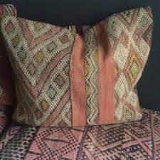 kelimputer - Google-søk Throw Pillows, Bed, Google, Cushions, Decorative Pillows, Decor Pillows, Beds, Bedding, Scatter Cushions