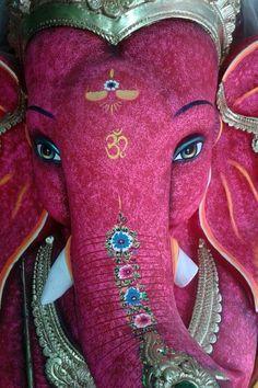 Ganesha statue in Thailand Arte Ganesha, Shri Ganesh, Krishna, Shiva, Ganesh Images, Ganesha Pictures, Elephant Love, Elephant Art, Indian Gods