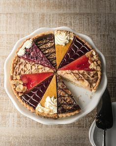 Holiday tart sampler.... This could be fun (and pretty!) for a casual, family-style dessert option.