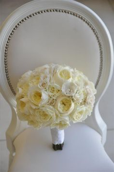 White flowers for bridesmaid and bride bouquet @Melody English Santiago-Lucatero @Heather Creswell Simmons @Kayla Barkett Ellis @Irina Avrutova Heath BRIDESMAID BOUQUET????