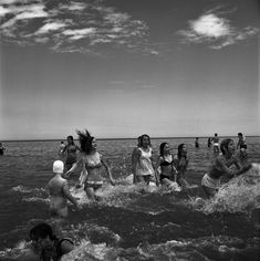 https://flic.kr/p/23wd86S | Untitled, Vivian Maier