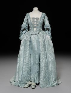 An 18th century Watteau pleat/sack back robe and matching petticoat, circa 1775.