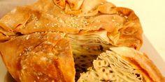 ΠΑΝ ΜΕΤΡΟΝ ΑΡΙΣΤΟΝ: Μακαρονόπιτα με φέτα και κασέρι.... και καλη σας ο... Greek Recipes, Apple Pie, Cabbage, Snack Recipes, Chips, Vegetables, Cooking, Ethnic Recipes, Desserts