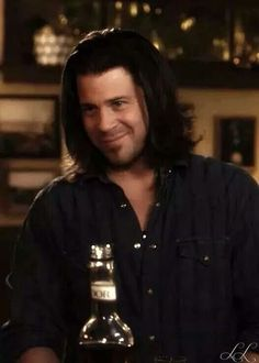Eliot Spencer (Christian Kane) -Screencap from Leverage- Added by Ladee Leverage Parker Leverage, Leverage Eliot, Leverage Tv Show, Christian Kane, Beautiful Blue Eyes, Beautiful Men, Beautiful People, Chris Kane, Timothy Hutton