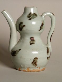 "Chinese Yuan Dynasty Qingbai Ewer 4 1/4"" High from the 13th-14th Century http://lasieexotique.com/ceramicschina.html"