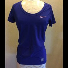 BOGO free item Very cute workout top! No holes rips or stains Nike Tops