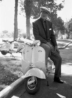 Vintage Motorcycles John Wayne sits on a vespa, - Piaggio Vespa, Lambretta Scooter, Vespa Scooters, John Wayne, Triumph Motorcycles, Vintage Motorcycles, Custom Motorcycles, Vintage Vespa, Vespa Girl