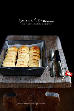 Non sono romana e questo è un dato di fatto ma il piatto di oggi lo cucino da sempre...diciamo che è proprio il semolino che adoro alla fo...