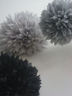 Use silver + black + white poms to decorate for your parents' 25th Anniversary Party #25thweddinganniversary #anniversarypartyideas