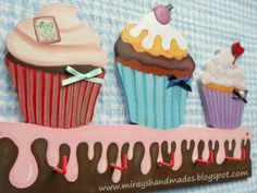 CUPCAKE HANDPAINT HANGER (This is Originally made by Mirayshandmades - Miray Yildizli Taskiran From Turkey) mirayshandmades@gmail.com