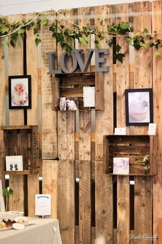 wooden palette wedding backdrop idecor / http://www.himisspuff.com/rustic-wood-pallet-wedding-ideas/10/