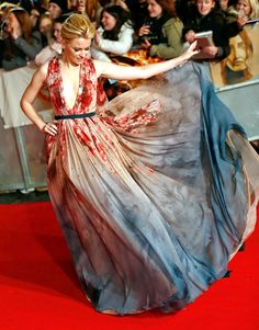 In a word: stunning. Hollywood beauties including Emma Stone, Taylor Swift, and Lupita Nyong'o stepped out to the year's biggest events in the looks that, up to 12 months later, we can't stop dreaming about. See Us Weekly's picks for the top 14 red carpet moments of '14!