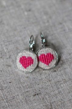 Heart embroidered pierced earrings in a personalized by byKALYNKA, €15.00