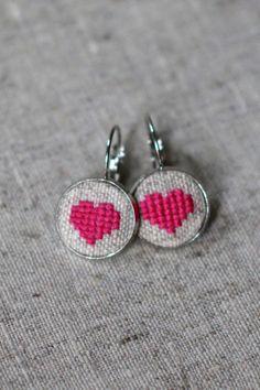 Heart embroidered pierced earrings in a personalized by byKALYNKA, €15.00
