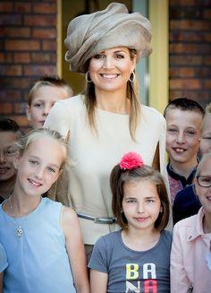 Queen Máxima launched of Neighbour's Day (Burendag)