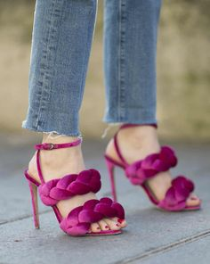 PSA: Here's how to wear high heels without pain. You and your feet need these 8 life-saving tips.