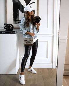 Looks Chic, Looks Style, Casual Looks, Casual Fall Outfits, Winter Fashion Outfits, Autumn Fashion, Spring Leggings Outfits, T Shirt Outfits, Cute Legging Outfits
