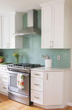 Gorgeous 59 Fabulous Modern Coastal Kitchen Remodel on a Budget http://toparchitecture.net/2017/12/25/59-fabulous-modern-coastal-kitchen-remodel-budget/