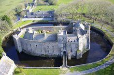 Château de Pirou situé sur la commune de Coutances, Manche, Normandie,France.