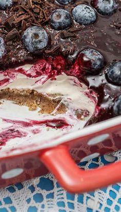 Skyrterta með bláberjum Easy Baking Recipes, Sugar Free Recipes, Low Carb Recipes, Cooking Recipes, Paleo Recipes, Nordic Recipe, Baked Alaska, Raw Cake, Elegant Desserts