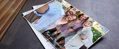 Postkarten aus dem Urlaub verschicken? Ganz einfach: Foto mit dem Smartphone machen, Bild auswählen, eine kurze Grußbotschaft und Empfängeradresse eingeben. Der App-Anbieter (hier ein Beispiel von der Deutschen Post) druckt die Postkarte und schickt diese traditionell per Post.