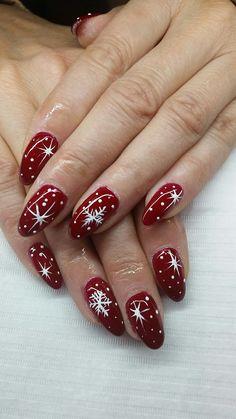 Christmas Present Nails, Christmas Gel Nails, Christmas Nail Art Designs, Classy Nail Designs, Red Nail Designs, Chic Nails, Classy Nails, Bling Nails, Red Nails