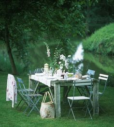 """Summer Dining Al Fresco """"This is June, the month of grass and leaves . already the aspens are trembling again, and a new summer is offered me. Outdoor Dining, Outdoor Spaces, Outdoor Decor, Outdoor Tables, Dining Table, Party Outdoor, Patio Table, Mesas Shabby Chic, Theodora Home"""