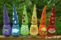 Waldorf inspired felt gnomes. The best part of this tutorial (for me) was discovering that the shop she uses for the wooden bodies is about 10 miles away from me. FIELDTRIP!
