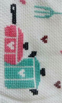 Sumeyyenin etamin Cross Stitching, Cross Stitch Embroidery, Hand Embroidery, Embroidery Designs, Cross Stitch Designs, Cross Stitch Patterns, Cross Stitch Numbers, Cross Stitch Kitchen, Embroidered Towels