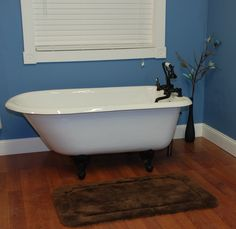 55 inch Cast Iron Clawfoot Tub Rolled Rim, 'Carroll'
