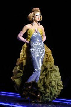 Raquel Zimmermann at Christian Dior Haute Couture Spring/Summer 2004.