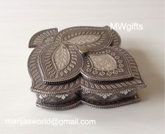 Flower Shape Medium Storage/Jewellery Box with Three Compartments