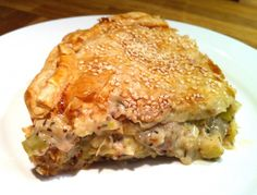 Honestly the best thing about chicken is that you can make it in soooo many ways. For instance, try out this chicken and leek pie 🥧 and let us know how your taste buds feel after. TipitoeAfrica is always a yum experience. Cookbook Recipes, Cooking Recipes, Healthy Recipes, Candy Recipes, Salad Recipes, Cookie Dough Pie, Chicken And Leek Pie, Greek Recipes, Food Processor Recipes