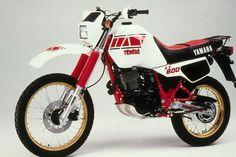 Yamaha Xt 600, Yamaha Motorcycles, Cars And Motorcycles, Enduro Motorcycle, Motorcycle Luggage, Bedford Truck, Side Car, Sr500, Vintage Skateboards