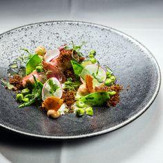 Zubereitet aus frischen Zutaten und toll präsentiert: die herausragende Küche im Restaurant Le Faubourg im Sofitel Hotel in Berlin Charlottenburg