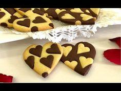 Biscotti Cuore Bicolore di San Valentino, Semplici ma di Grande Effetto! - YouTube Plum Cake, Baking Tools, Gingerbread Cookies, Buffet, Valentines, Cooking, Desserts, Food, Polvoron