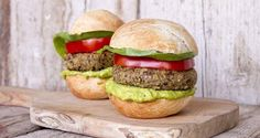 Super veggie burgers by Greek chef Akis Petretzikis. Delicious veggie burgers with lentils, bulgur, vegetables, cashews and thyme that make a special treat! Raw Food Recipes, Vegetarian Recipes, Snack Recipes, Healthy Recipes, Snacks, Burger Buns, Spring Recipes, Street Food, Food Processor Recipes