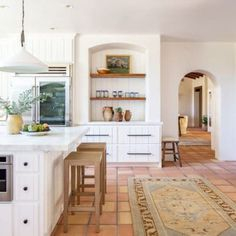 House Tour :: A Romantic Eclectic Home With Happy Shabby Chic Style - coco kelley Spanish Bungalow, Spanish Style Homes, Spanish House, Spanish Style Kitchens, Spanish Style Interiors, Spanish Revival, Spanish Colonial, Spanish Home Decor, Spanish Kitchen Decor