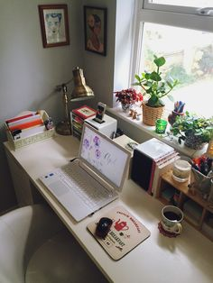 My working area. I promise nicer pictures when the... - ♥ paper