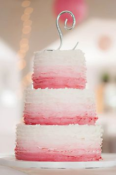 Daily Wedding Cake Inspiration (New!). To see more: http://www.modwedding.com/2014/07/18/daily-wedding-cake-inspiration-new-2/ #wedding #weddings #wedding_cake Fatured Wedding Cake: City Girl Cakes; Featured Photographer: Candace Berry Photography