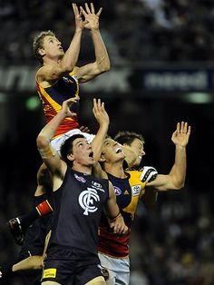 @AFL @SuperFooty Top 10 Best Speccies - #9 Brett Burton Enter the Birdman (2009)