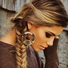 she's kinda perfect. love the makeup, hair color blonde highlights, fishtail braid, earrings, sweater!