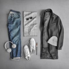 """Capsule Wardrobe For Men. Build My Wardrobe Have you ever thought to yourself. """"I have a lot of clothes but when I look in my closet I can't find Mens Fashion Blog, Best Mens Fashion, Men's Fashion, Fashion Styles, Fashion Photo, Mode Outfits, Casual Outfits, Fashion Outfits, Stylish Men"""