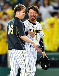 7戦ぶり出場の阪神鳥谷敬内野手が安打で追加点を呼び込んだ。1点リードの8回。自身が選曲したCHAGE&ASKAの「YAH YAH YAH」が流れる中、先頭打者… - 日刊スポーツ新聞社のニュースサイト、ニッカンスポーツ・コム(nikkansports.com) Tigers, Japan, Baseball, Sports, Life, Fashion, Hs Sports, Moda, Sport