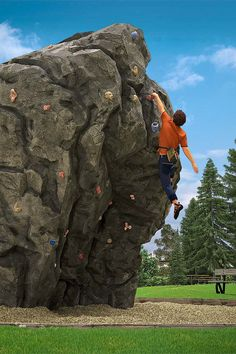 scene of an artificial rockwork boulder in a park, limestone syle. In the same way that happens with architectural projects, the presentations of climbing wall projects gain interest and scale relationship if human assests are included in the images. Climbing Wall, Rock Climbing, Artificial Rocks, Fake Rock, Bouldering, Future House, House Ideas, Park, Architecture