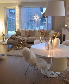 9 Inspiring Cozy Apartment Decor on Budget I love this cozy interior - Add Modern To Your Life Cozy Living Rooms, Home And Living, Living Room Decor, Bedroom Decor, Dining Room, Modern Living, Romantic Living Room, Bohemian Living, Modern Rugs